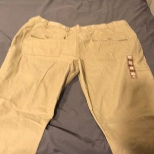 Dockers flat front pants with leg pocket